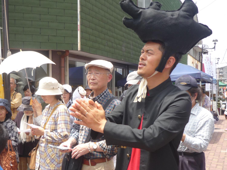 昨年、前原商店街で出会った時の糸島先輩。