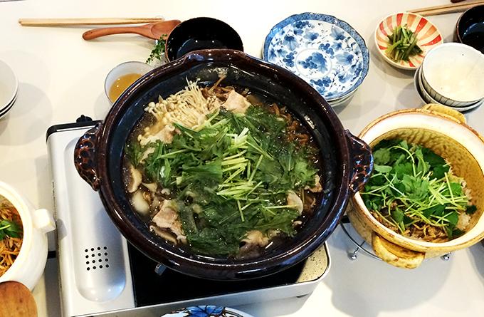 皆の力作、土鍋料理がずらりと並びました。