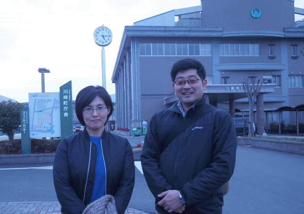 左は川崎町で生まれ育った福島さん。町の素材のことならお任せあれ!と、とっても心強い方です。右は田川で生まれ育った山本さん。川崎町をPRするため、全国を飛び回られています。