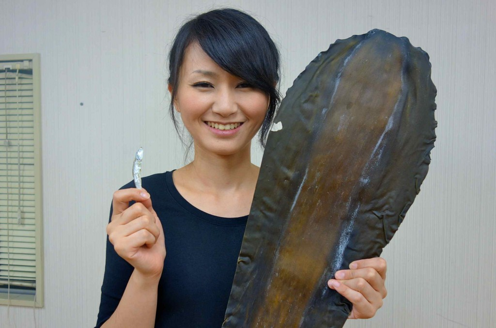 昆布といりこと江美子さん。お出汁教室の主役たちです。